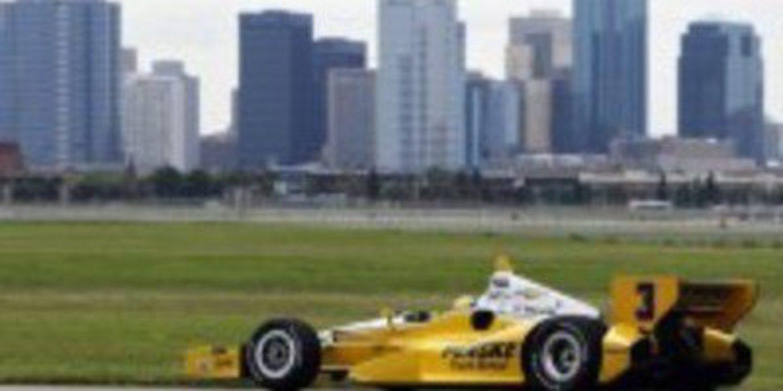 La IndyCar aterriza en el Aeropuerto de Edmonton en la gira canadiense