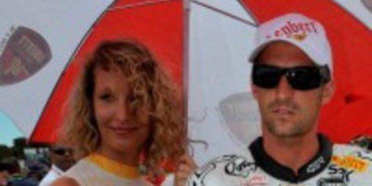 Jakub Smrz consigue la SuperPole en Silverstone sobre las aguas