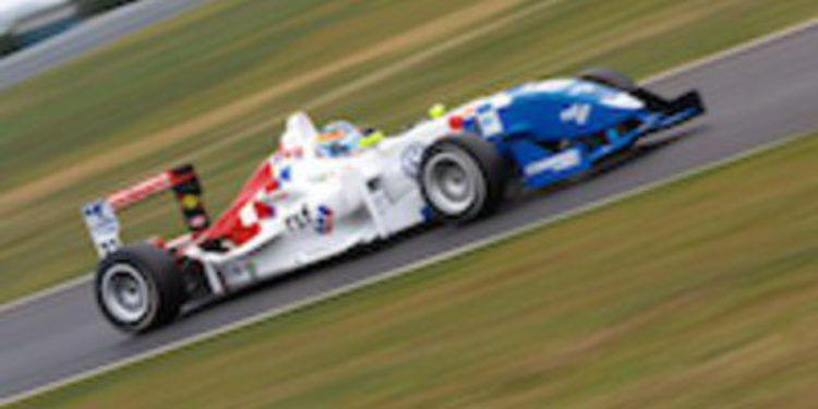 Jack Harvey hace doblete de poles en Snetterton en la F3 Británica