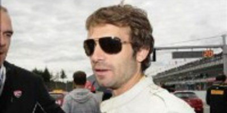 Sylvain Guintoli se estrena con el Pata Ducati en la manga 2 de Silverstone