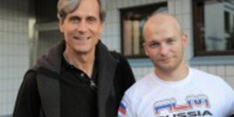 El copiloto de Evgeny Novikov se fracturó una vértebra en Finlandia