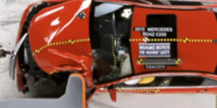 El IIHS incluye en sus pruebas un nuevo test de choque para nuestros coches