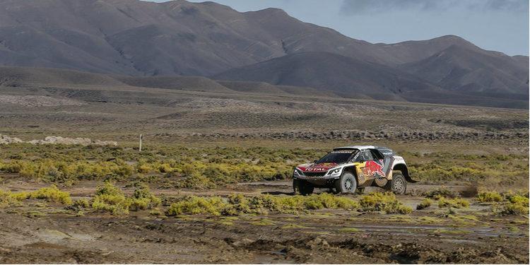 Coches | Loeb hace sudar a Peterhansel en otro golpe de autoridad de Peugeot