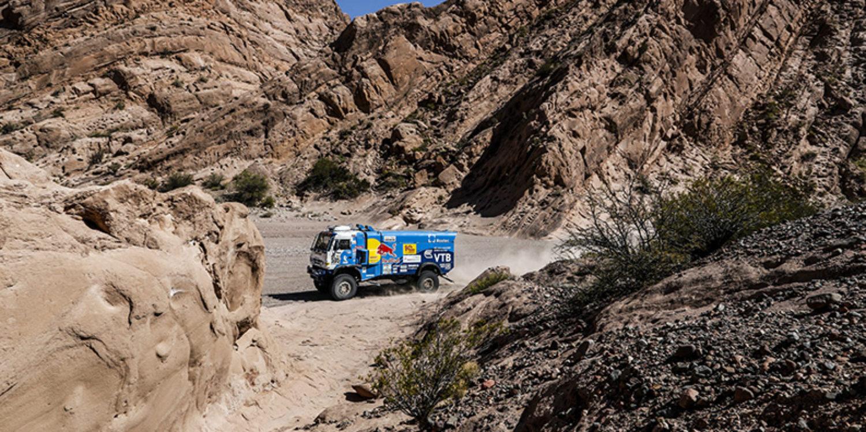 Camiones   Los Kamaz se 'comen' a De Rooy