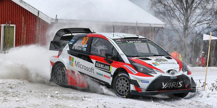 Thierry Neuville vuelve a caer y deja un Rally de Suecia al rojo vivo