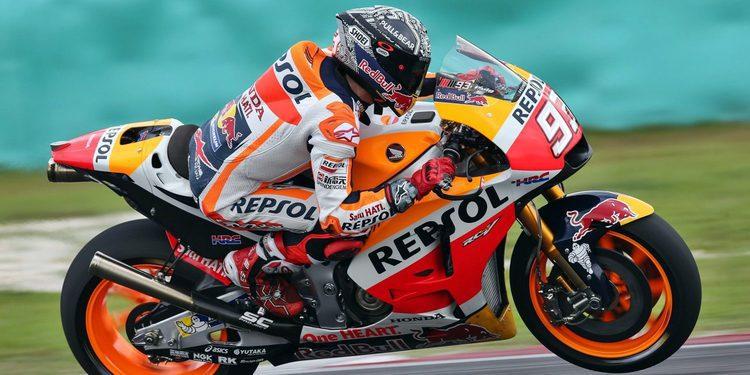 Márquez lidera delante de Rossi