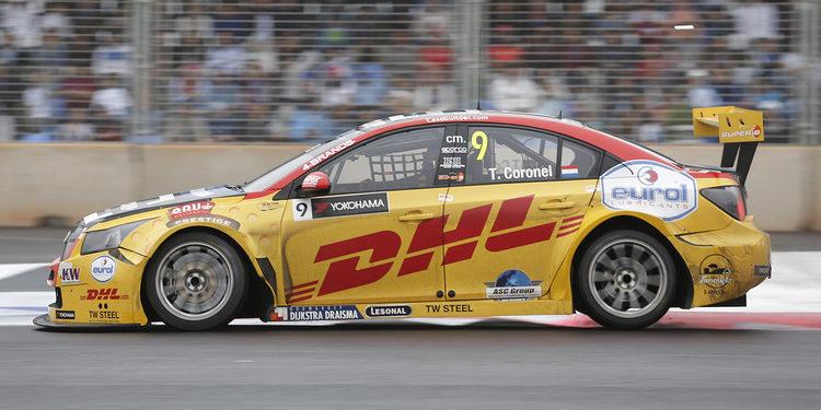 Tom Coronel seguirá con ROAL Motorsport este año