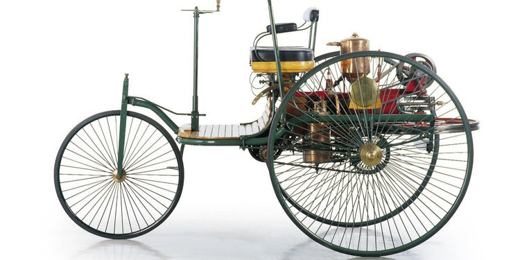 Mercedes-Benz y el primer vehículo impulsado a gasolina