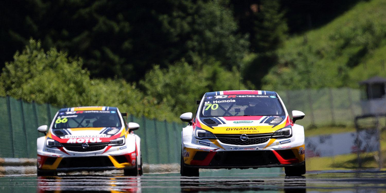 Pole para el Opel Astra de Mat'o Homola en Salzburgring