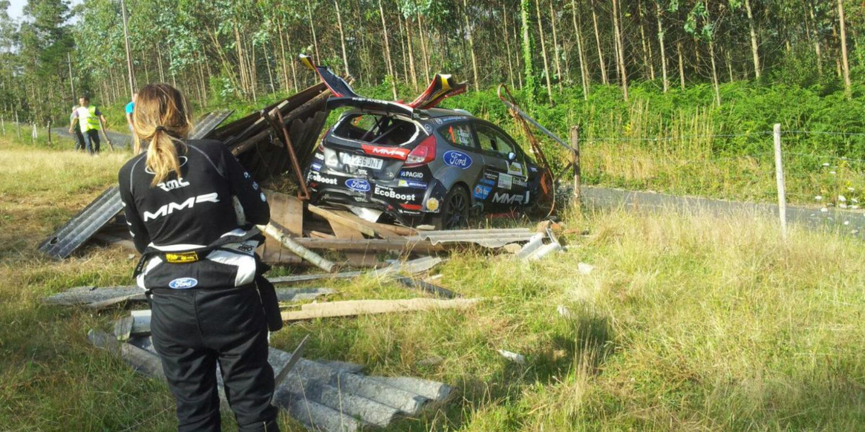Feo accidente de Cristian García tras un negro Rally de Ferrol