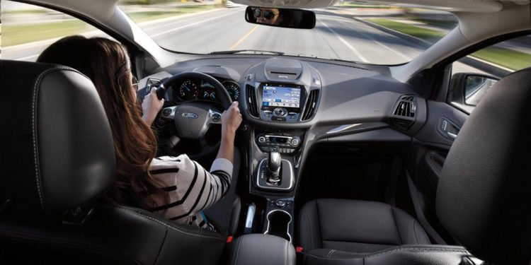 Tecnologías que ayudan a la conducción, pero que también pudieran ser peligrosas