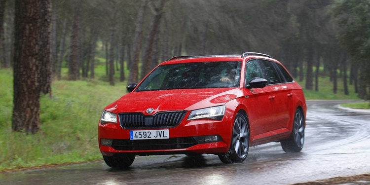 Skoda presenta el familiar Superb Combi 2.0 TSI