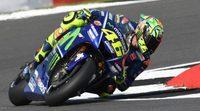 """Valentino Rossi: """"Espero ser competitivo mañana y luchar por el podio"""""""