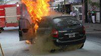 Incendio en el coche, cómo proceder