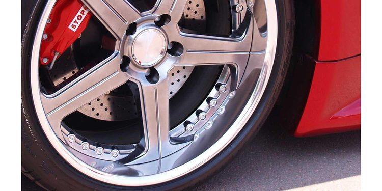Cómo saber cuándo balancear los neumáticos de tu coche