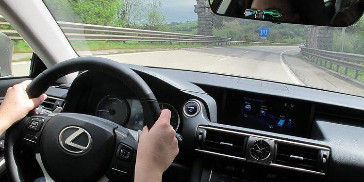 Ahorre combustible y contamine menos con su vehículo