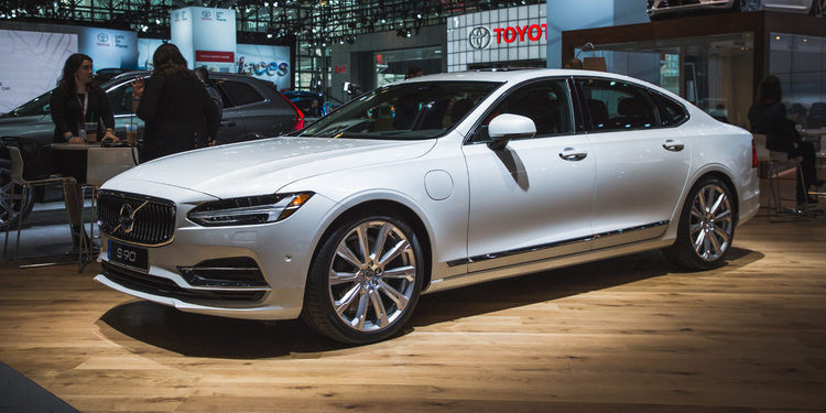 Volvo S90 T8 Review