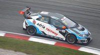 """Giacomo Altoè: """"El coche es rápido pero complicado de llevar"""""""