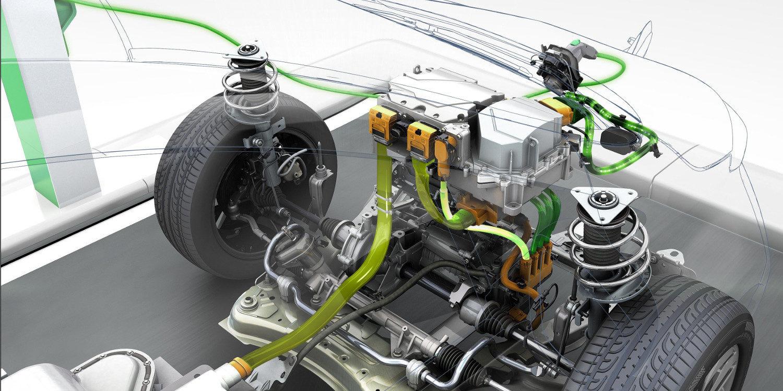 Diferencias entre mantener un coche eléctrico y uno a combustión
