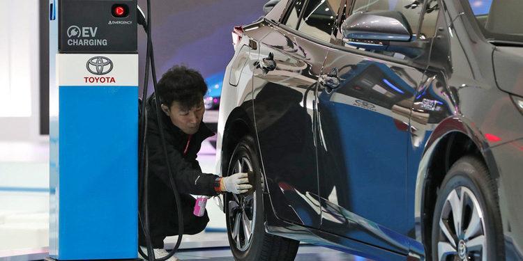 Toyota apuesta por los coches híbridos para China