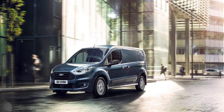 Ford renueva su gama Tourneo: Connect y Courier 2018