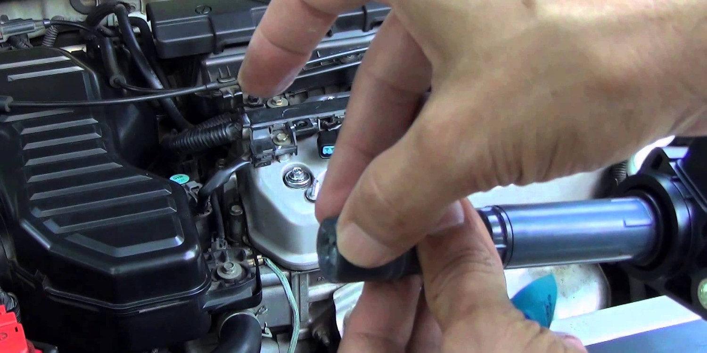 Resultado de imagen para cable de la bobina que va a la bujía moto