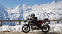 Conduzca eficientemente su motocicleta en la nieve