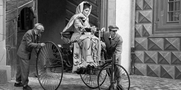 Por el Día Internacional de la Mujer, Bertha Benz, primera mujer al volante