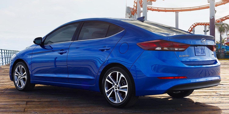 Elantra tipo sedán 2018 de Hyundai llega con nuevas prestaciones