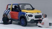 El modelo E-Mehari de Citroën celebra sus 50 aniversarios con mucho colorido