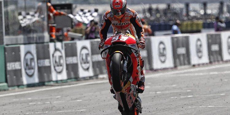 Márquez vence en territorio Yamaha y Rossi vuelve al podio