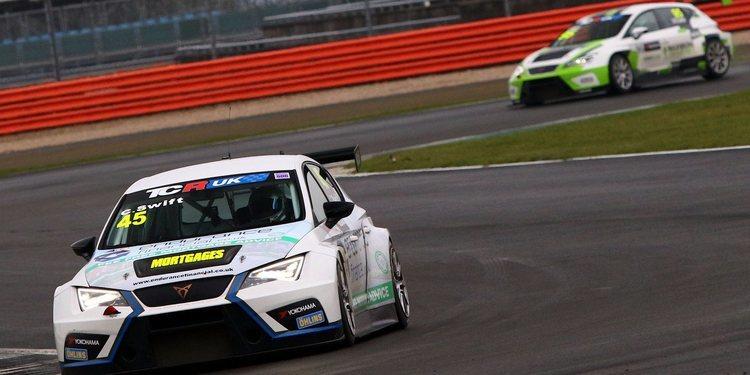 Maximum Motorsport aumenta a dos sus coches y cambia a cambio secuencial