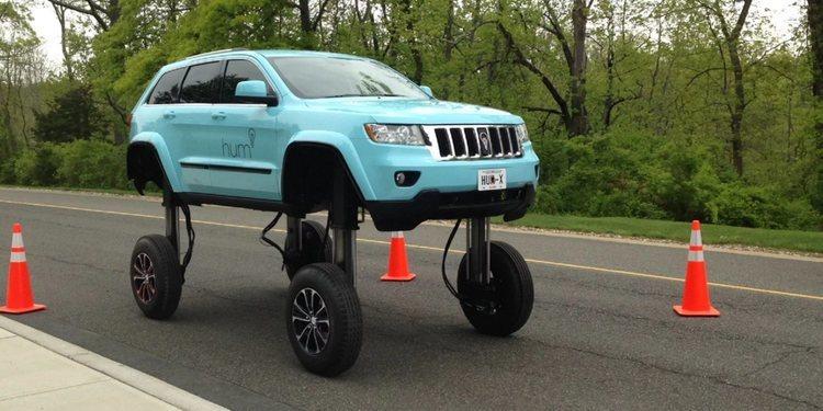 Le presento el Jeep Grand Cherokee Hum Rider que se eleva 3 metros de altura