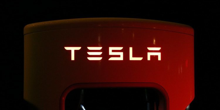 La fascinante historia de la marca de autos eléctricos Tesla PARTE 4