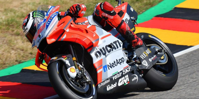 Las Ducati lideran en terreno enemigo