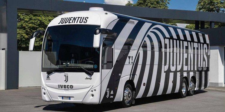 Conoce el atractivo bus del equipo de fútbol italiano La Juventus