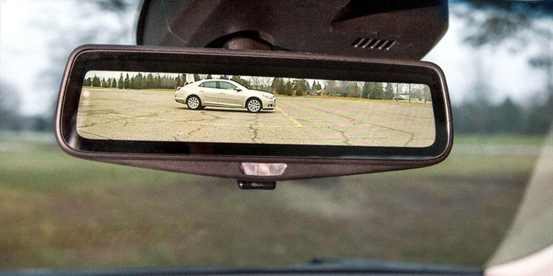 Los inicios y la tecnología del espejo retrovisor