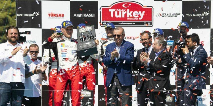Tanak triunfa en Turquía y pone el Mundial al rojo vivo