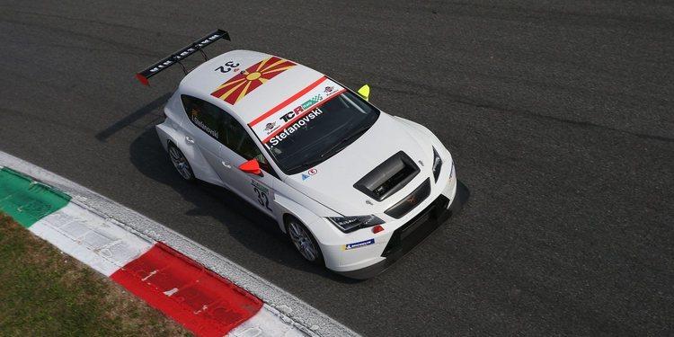 Monza e Igor Stefanovski empiezan a estrechar lazos
