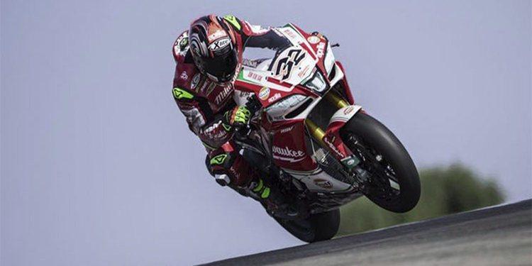 Aprilia a punto de desaparecer en el campeonato de World Superbike