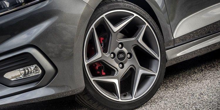 Unión Europea limita venta de neumáticos menos eficientes