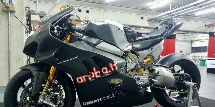 """Paolo Ciabatti: """"Las Superbikes siguen siendo importantes para Ducati"""""""