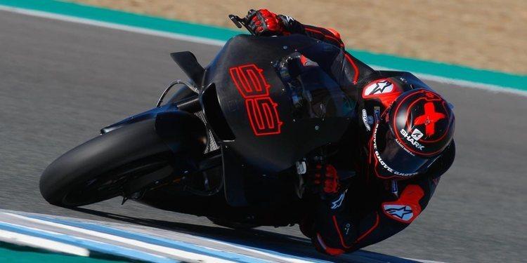 """Valentino Rossi: """"Lorenzo ya está listo con la Honda"""""""
