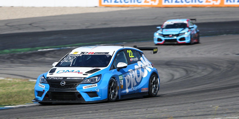 Dos Opel Astra TCR para las TCR Italia 2019