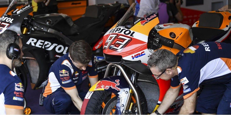 """Cal Crutchlow: """"Lorenzo piensa distinto porque no conoce la moto de 2018"""""""