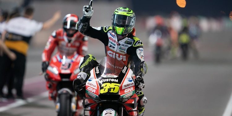 Dirección de Carrera justifica el 'ride through' a Crutchlow