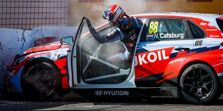 """Nicky Catsburg: """"Los frenos dejaron de funcionar cuando estaba liderando la carrera"""""""