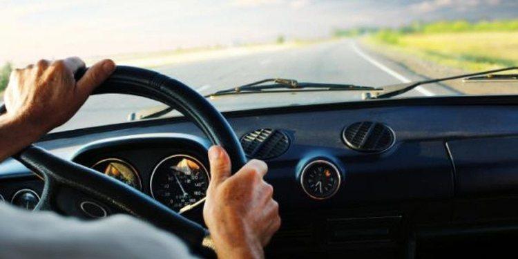 Buenos hábitos para una conducción segura