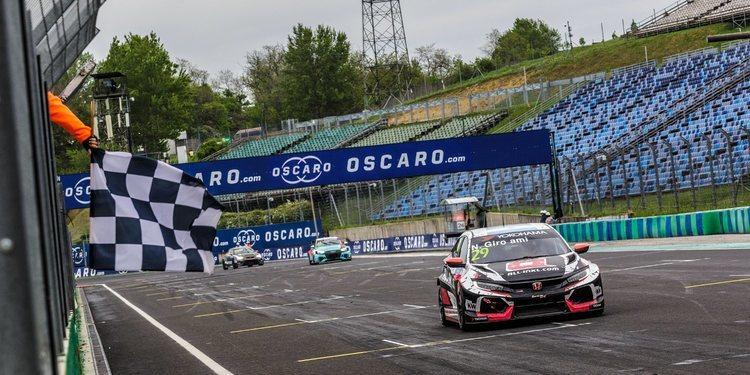 Remonta Néstor Girolami para su segunda victoria en Hungría