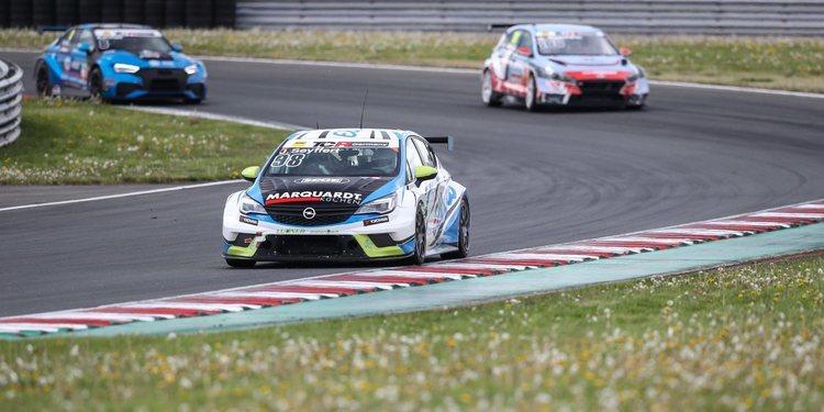 Kelly Racing encuentra piloto para uno de sus Opel Astra TCR